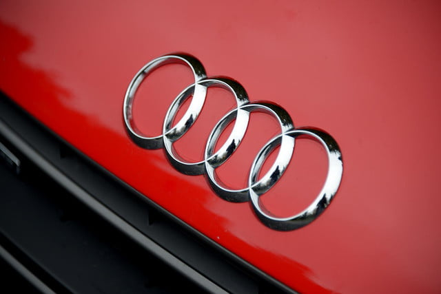2014 Audi R8 V10 audio logo