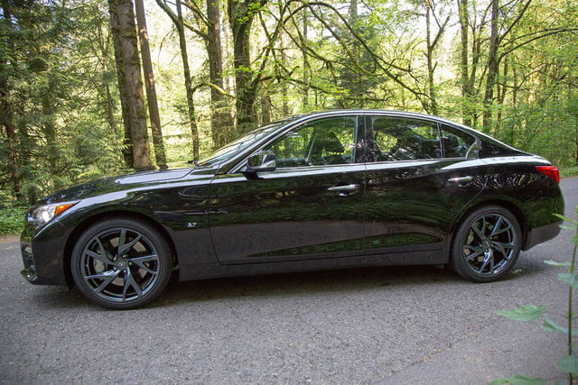 2014 Infiniti Q50S right side
