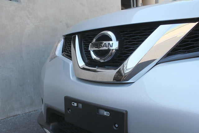 2014 Nissan Rogue SV front grill full