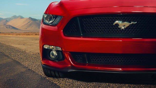 2015 Ford Mustang front grill macro
