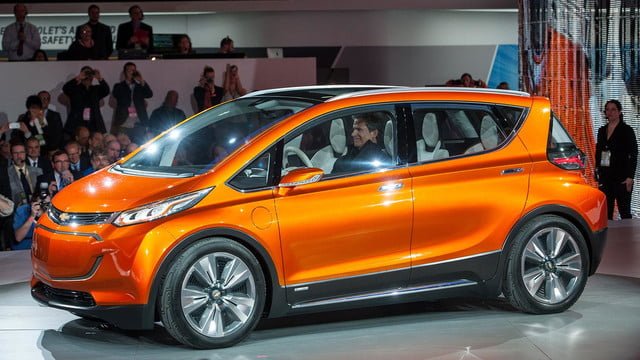 chevrolet will build electric bolt concept 2016 ev 002