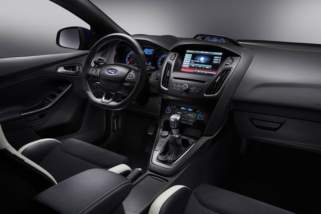 2016 ford focus rs first drive interior 2