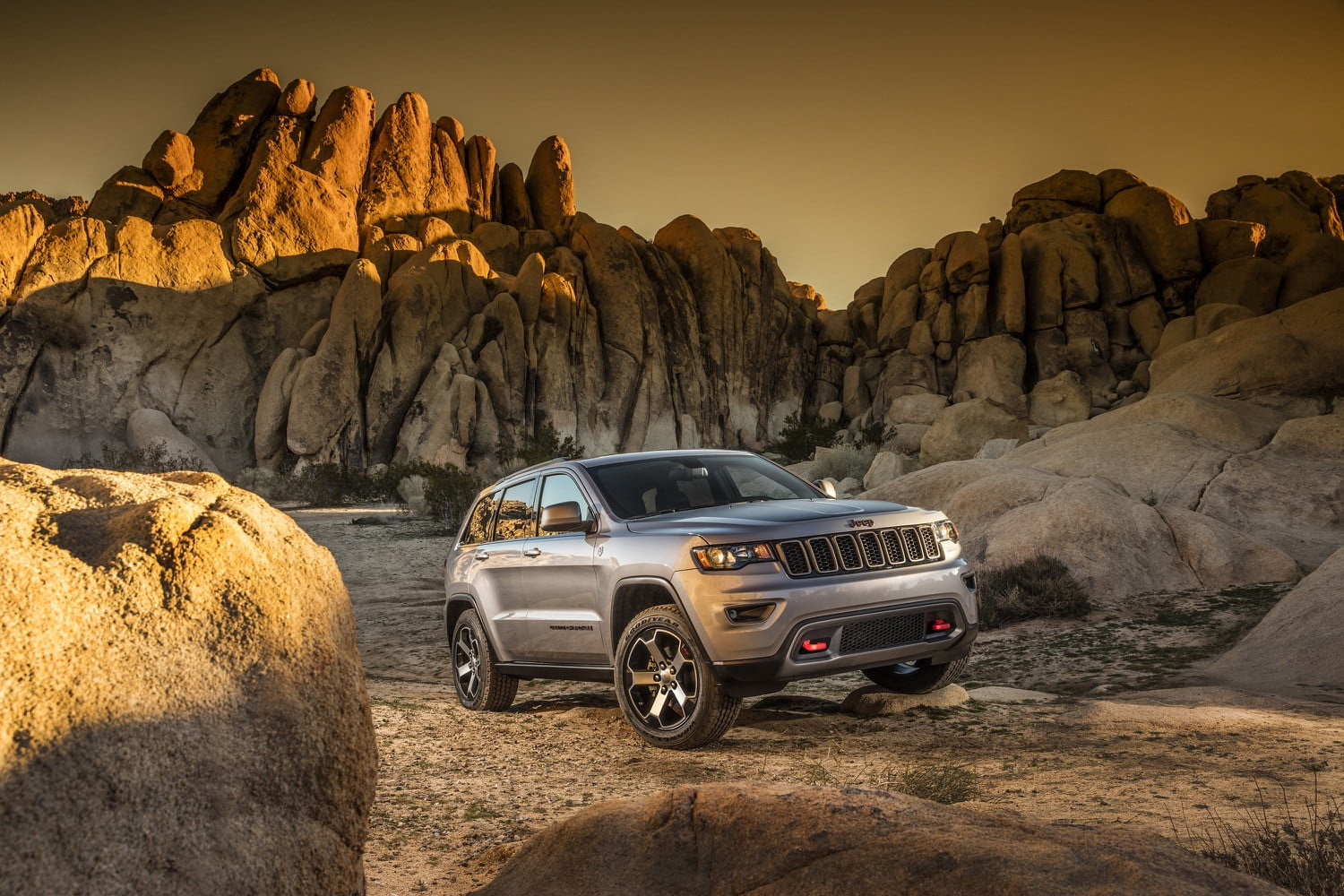 2017 Jeep Grand Cherokee Trailhawk and Summit revealed ...