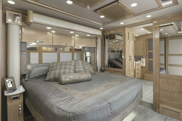 2017 newmar king aire bedroom 1