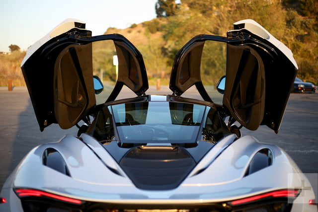 2018 mclaren 720s doors up back