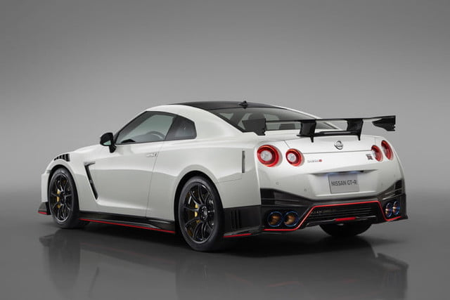 2020 Nissan GT-R Nismo Unveiled at 2019 New York Auto Show ...