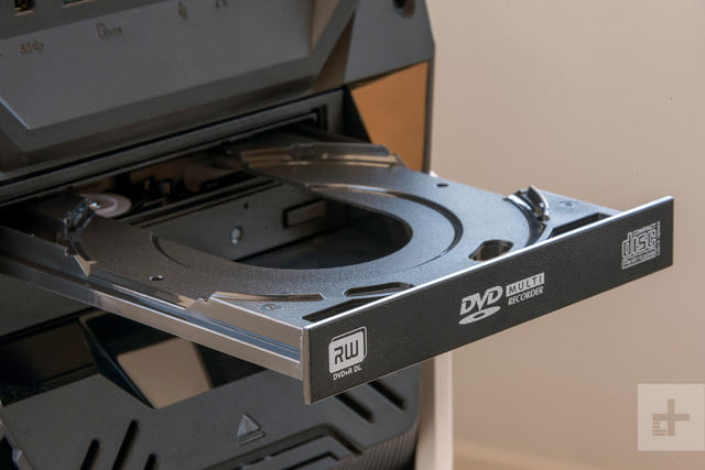 Acer ROG Strix Review disc tray