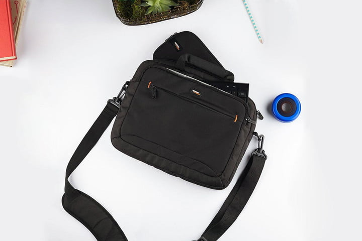 48fd252df The AmazonBasics Laptop bag is everything you'd expect from the  Seattle-based shopping giant. It'srelatively comfortable and easy to carry,  ...