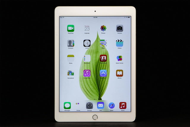 Apple iPad Air 2 screen home