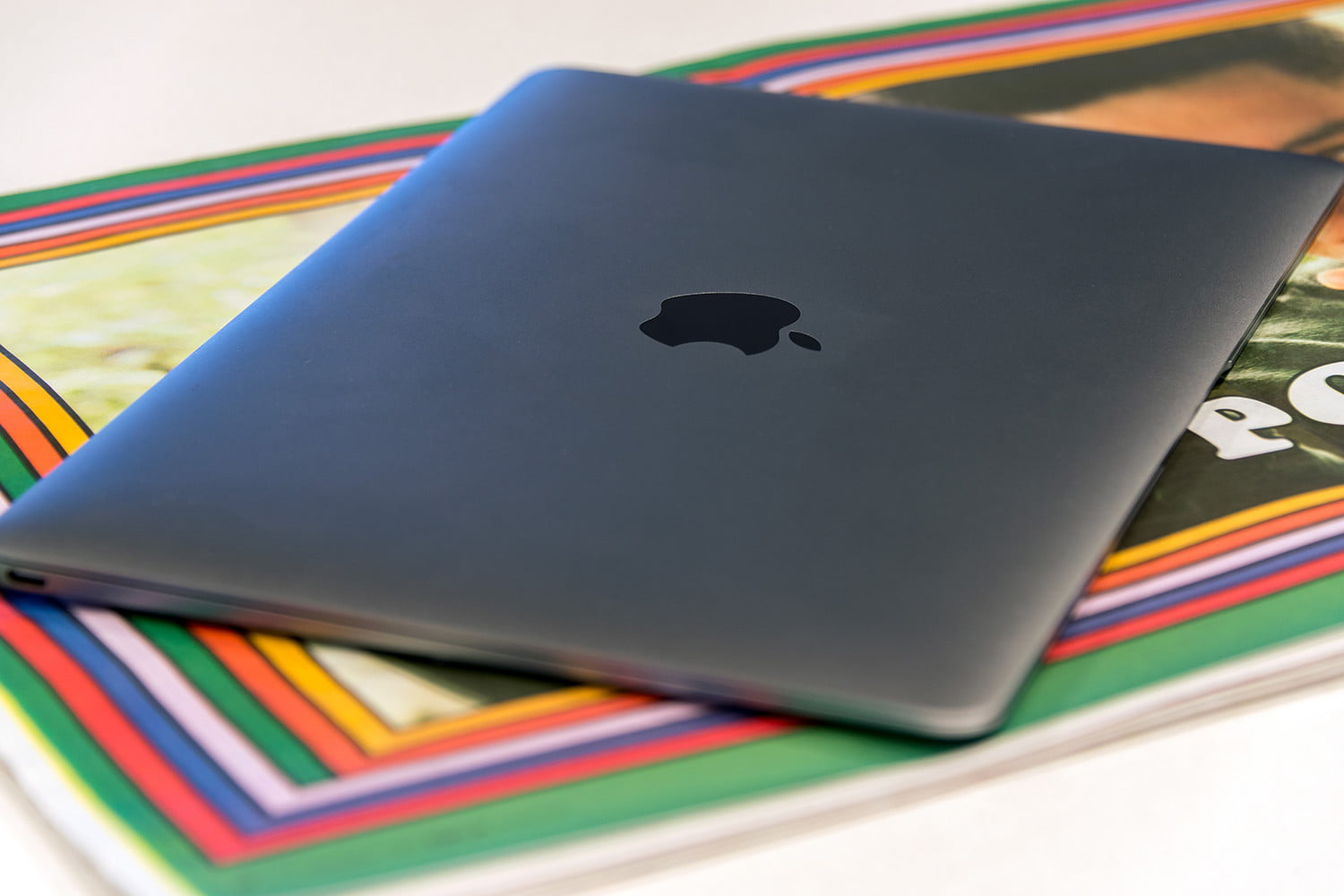 Apple MacBook-review-thincolors