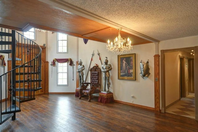 15 houses that look right out of game thrones austin castle house