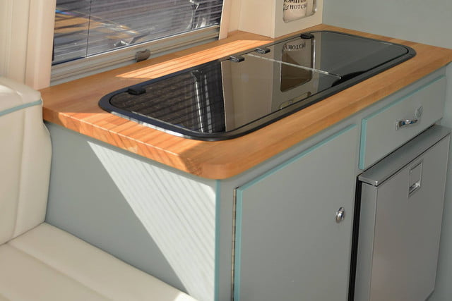 barefoot caravan makes cool curved campers 0014