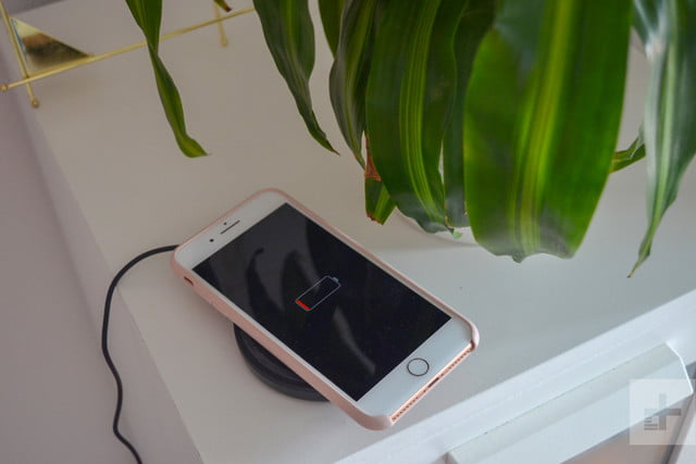 Belkin BoostUp Wireless Charging Pad phone