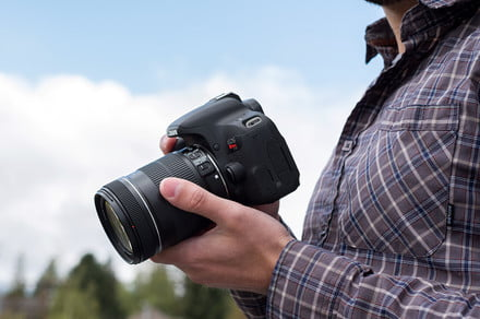 Save hundreds on Nikon and Canon EOS DSLR camera bundles for Memorial Day