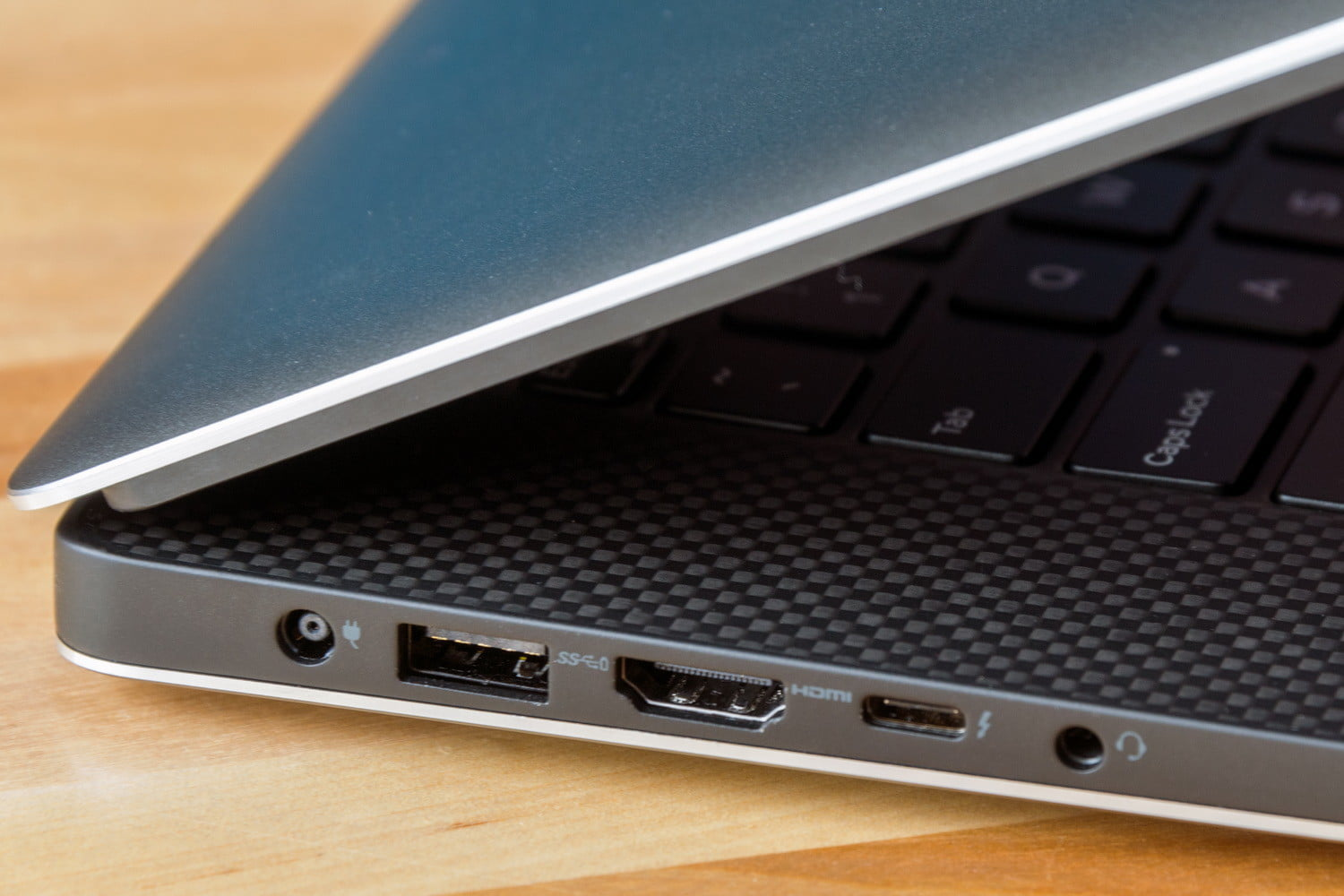 Dell XPS 15 9560评估