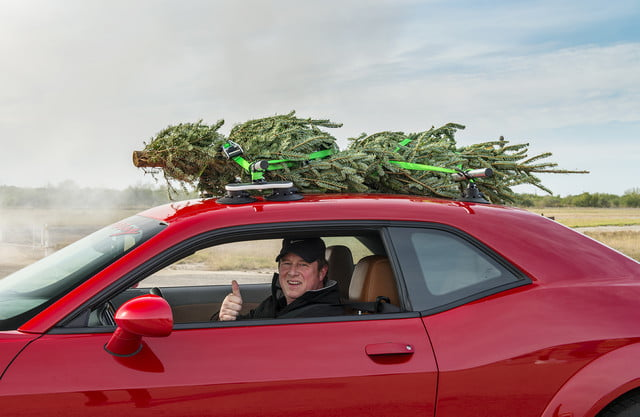 hennessey and dodge takes record for worlds fastest christmas tree 174mph 23
