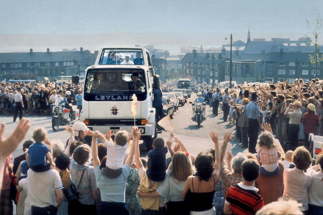10 sweet popemobiles that will make you wish held the keys of heaven 1982 leyland popemobile 2