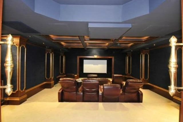50 cent filed for bankruptcy still has his 52 room mansion movie theater