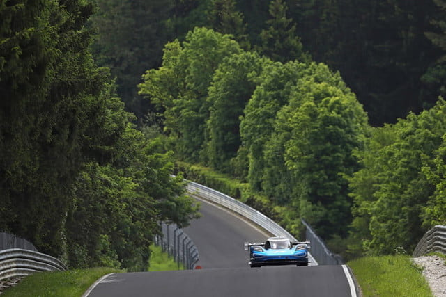 Volkswagen I D  R Sets Nürburgring Lap Record for Electric