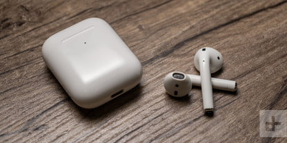 airpods 2 case back