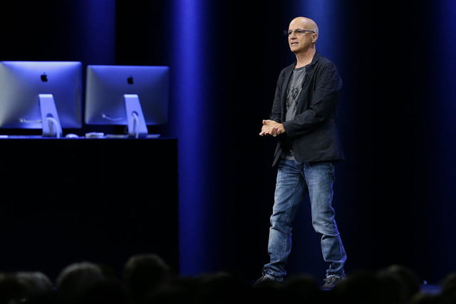 apple music news wwdc 2015 pressshot presenter male glasses other