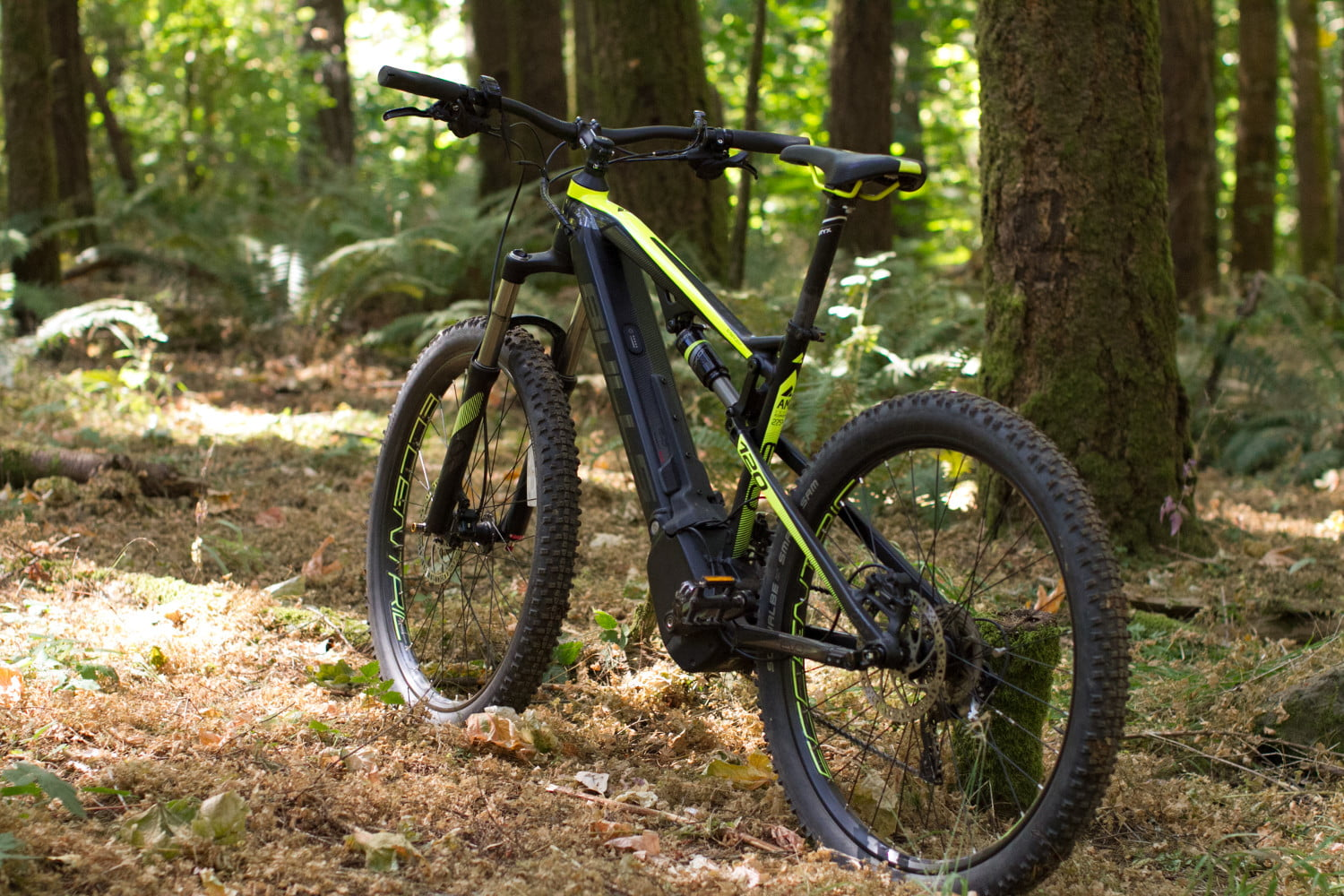 Bulls E-Stream EVO FS 2 27.5 Plus Review: Conquer tarmac and dirt with equal ease