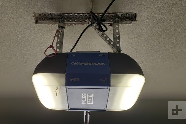 Chamberlain B1381 review