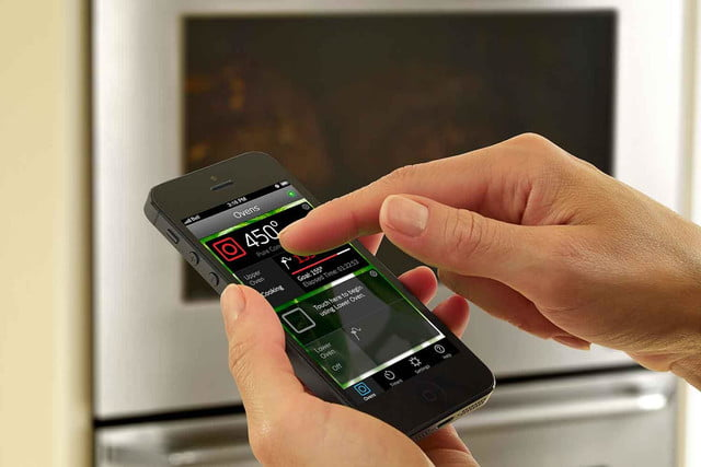dacors voice activated oven debuts at ces 2015 discovery iq wall iphone shot control panel  1