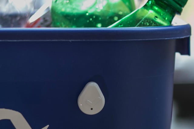 droplet is a reminder button for everyday chores recycling