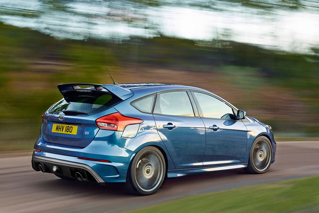 ford focus rs pricing performance specs news 01