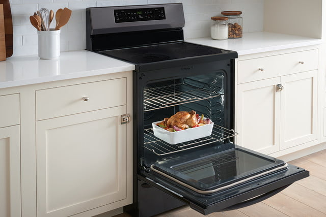 cooking on the frigidaire gallery fgif3036tf induction range self cleaning oven 2