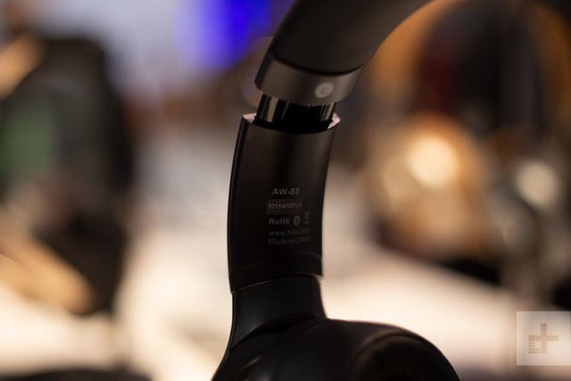 hivi aw 85 headphones wireless charger ces 2019 4