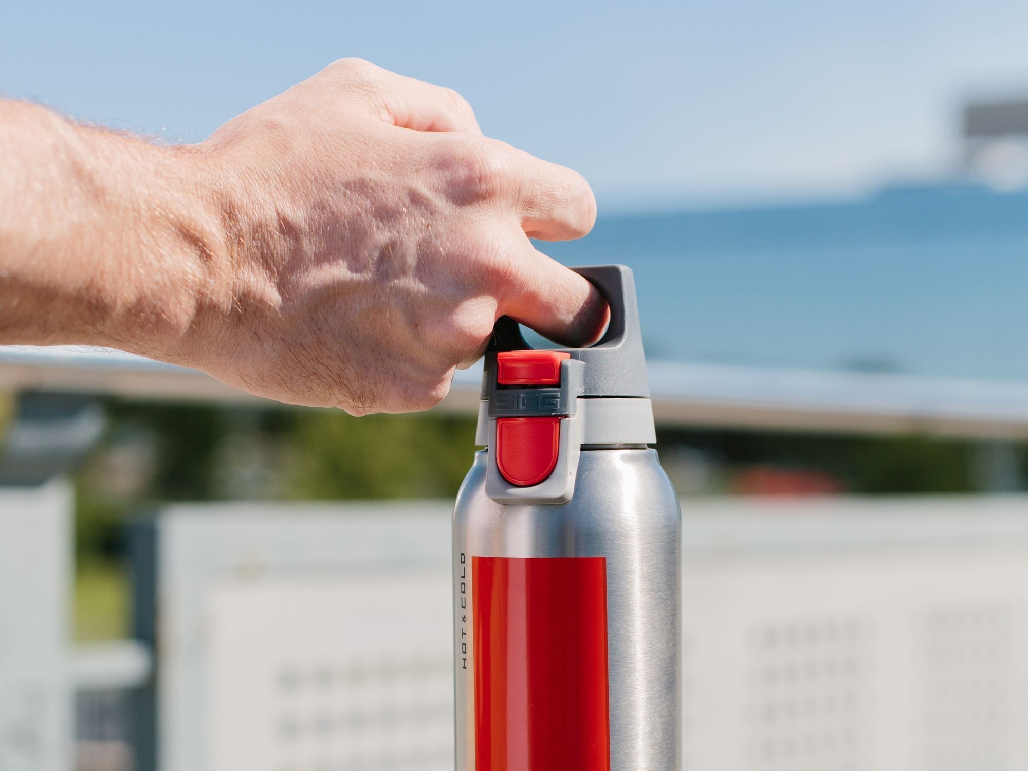 The Six Best Insulated Water Bottles to Keep Temperatures