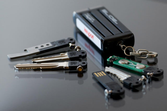 awesome tech you cant buy yet blipcast ruggie keyport  modular customizable keychain multitool