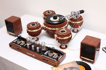 Lego Lover Meets Audiophile In This Gorgeous Lego Turntable
