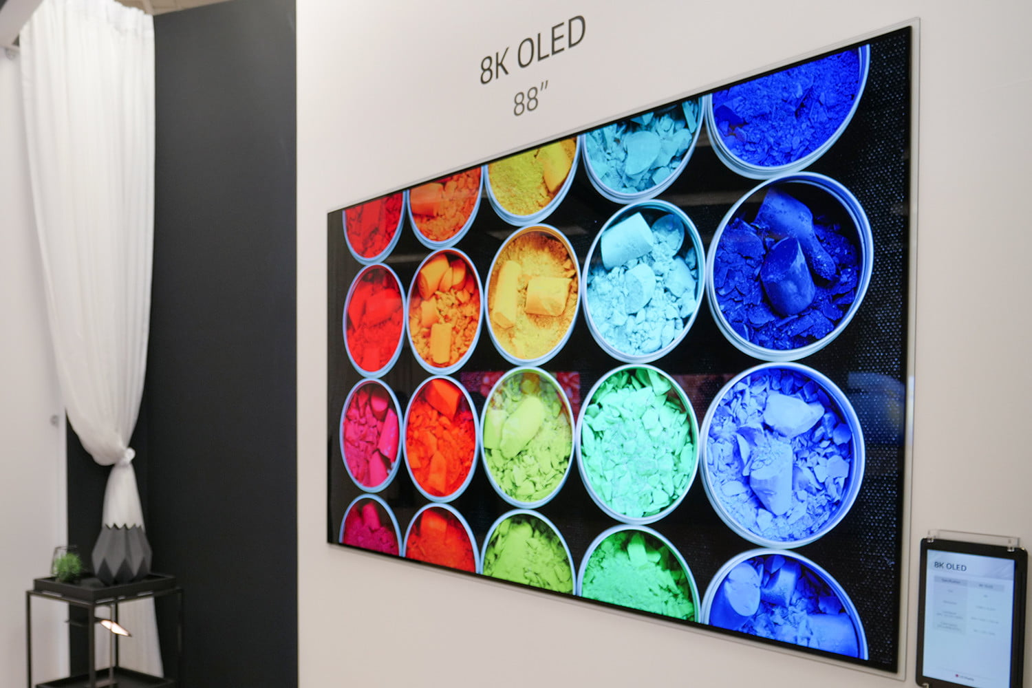 QLED vs  OLED TV: What's the Difference, and Why Does It
