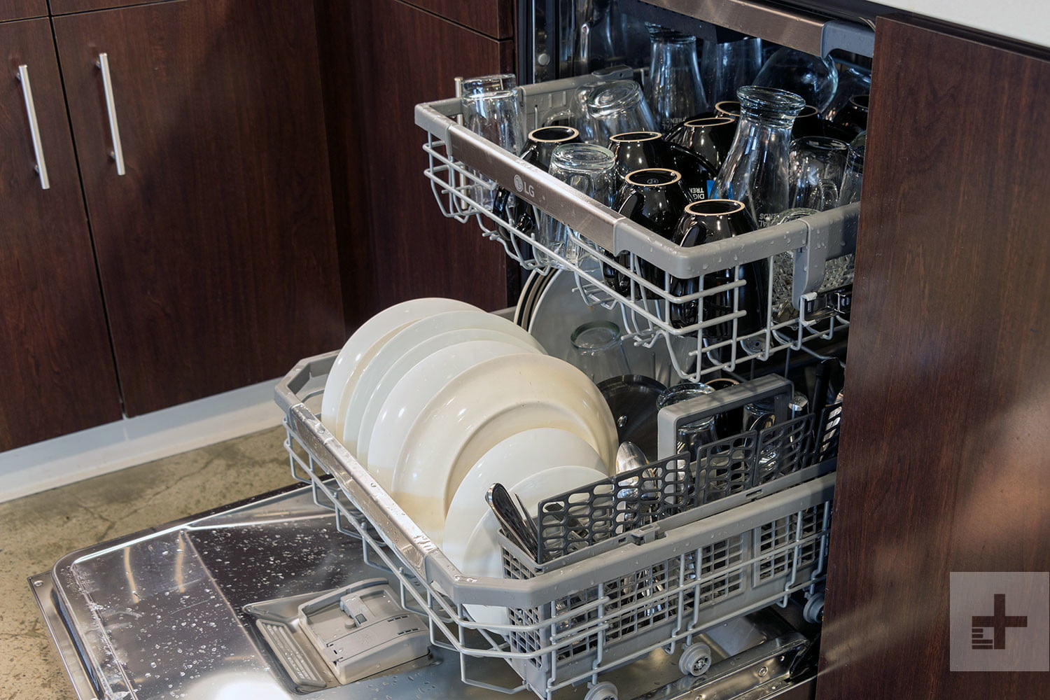 Experts Say Not to Rinse Dishes Before Putting Them into the