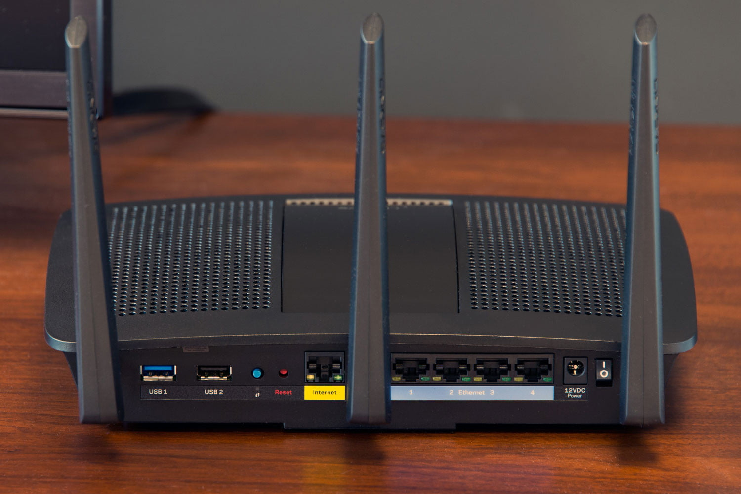 Linksys EA7500 Max-Stream AC1900 MU-MIMO Review | Digital Trends