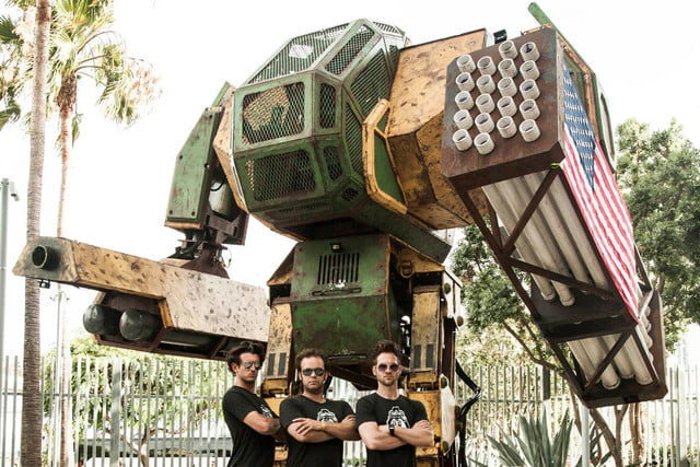 usa and japan are having a giant robot duel mkii with team