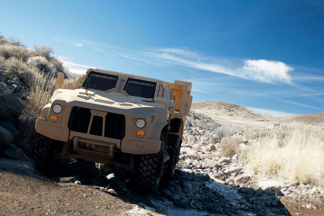 oshkosh 6 75b military contract pictures specs news jltv 008