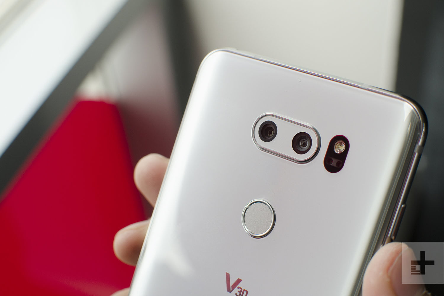 LG V30 vs  Galaxy S8 Plus | Smartphone Specs Comparison