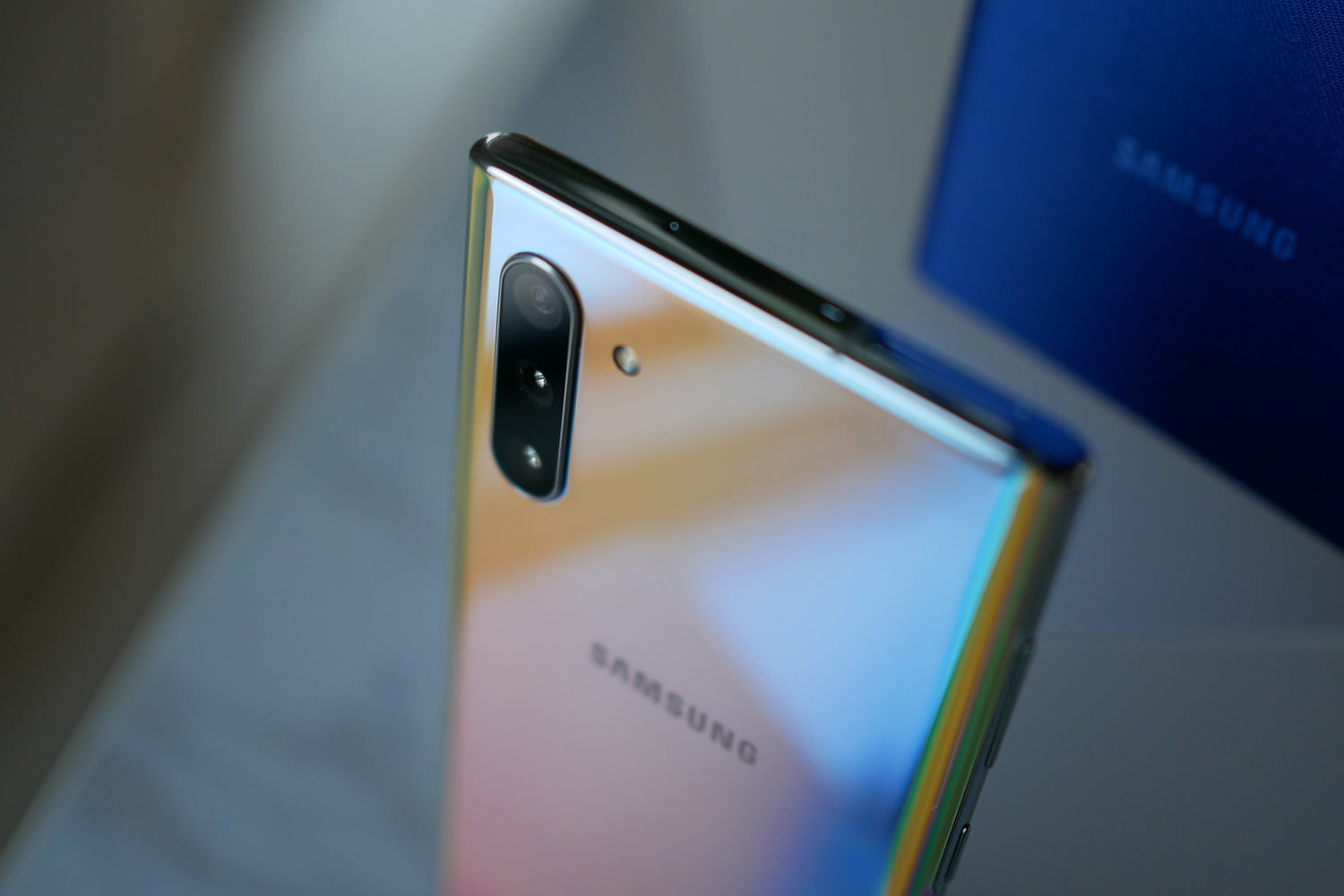 What Is Stainless Steel Made Of >> Samsung Thought The New Note 10 Was Made Of Stainless Steel