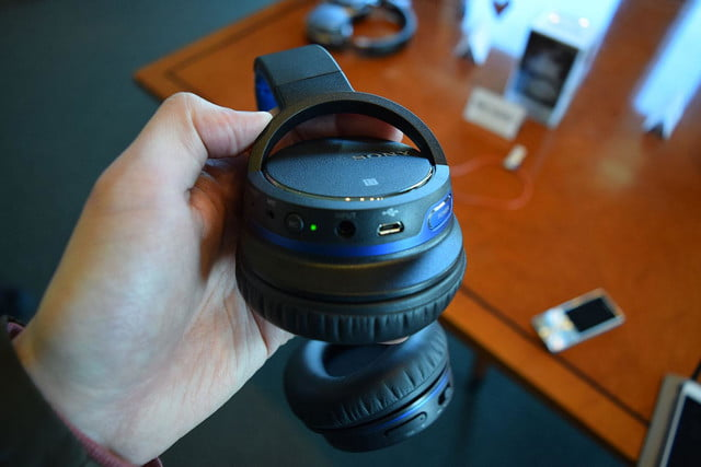 Sony MDR-ZX770BN hands on 4