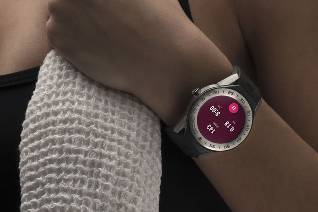 tag heuer connected modular 41 smartwatch news hand