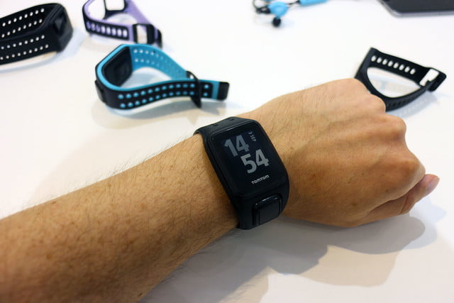 hands on tomtom spark cardio music 18