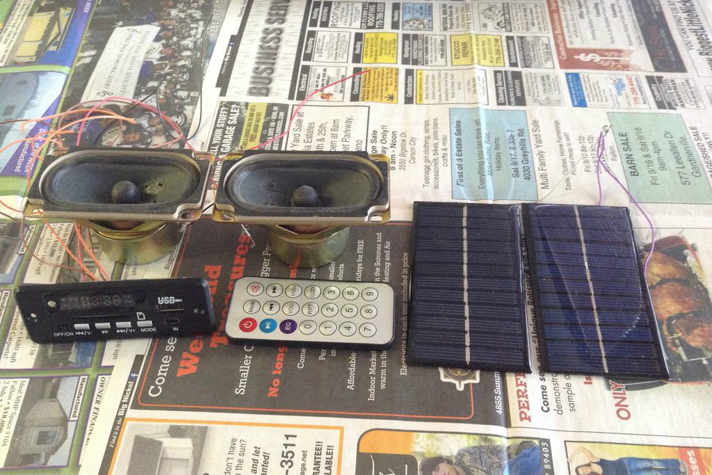 How to Build a Solar-Powered Bluetooth and MP3 Radio