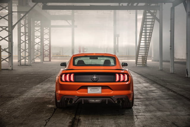 ford mustang ecoboost 2020 high performance package 3 700x467 c