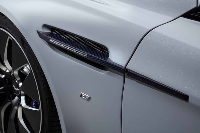 rapid e aston martin 007 rapide official 4 700x467 c