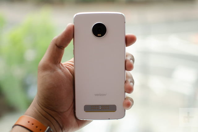 revision moto z4 hands on 1 800x534 c