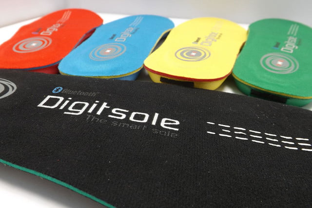 slip pair digitsoles shoes track steps heat feet digitsole insole press image